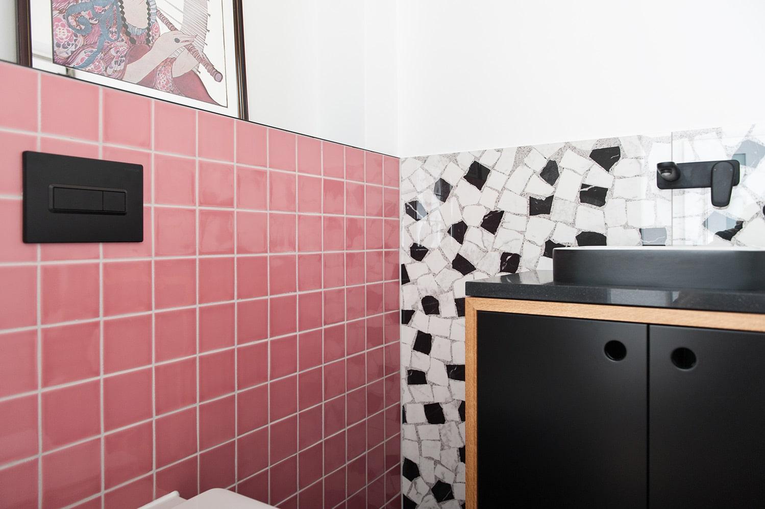 Sanierter Wandspiegel nach Badsanierung