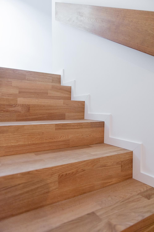 Treppe mit Holzparkett