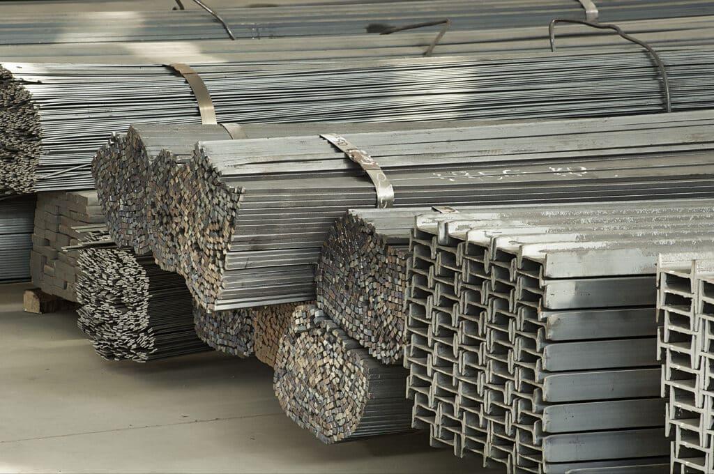 Bei Wohnungssanierung wird häufig auch Stahl verarbeitetet